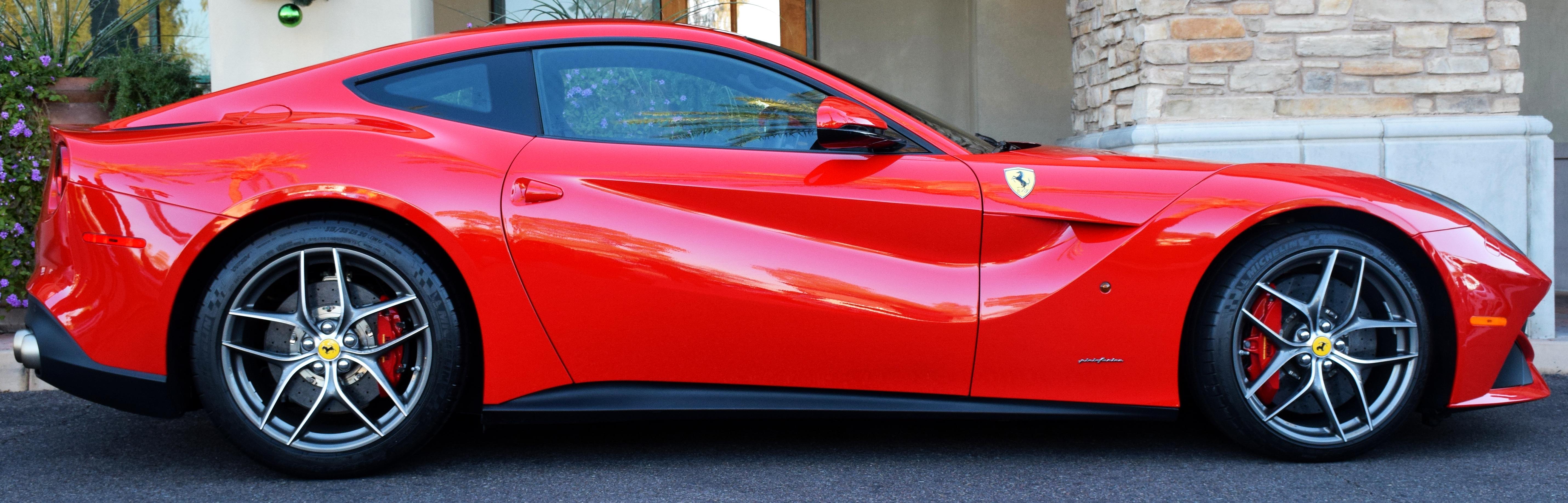Ferrari F 12 Berlinette