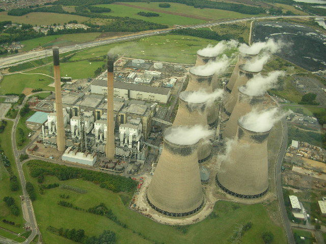 Ficheiro:Ferrybridge power station.jpg