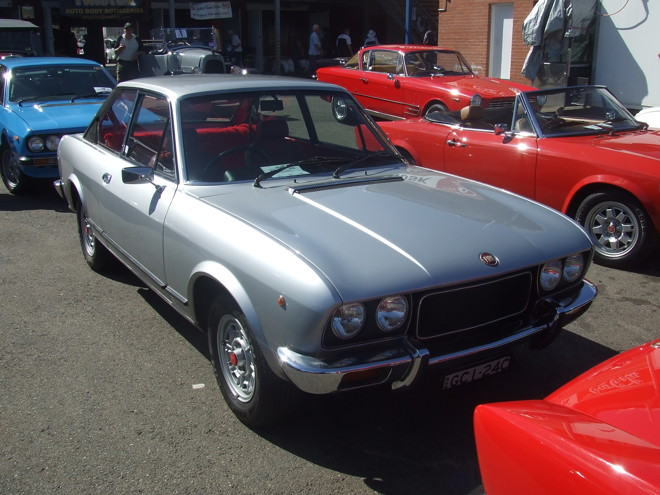 Fiat Of Cc >> File Fiat 124 Sport Coupe Cc 15977562696 Jpg Wikimedia Commons