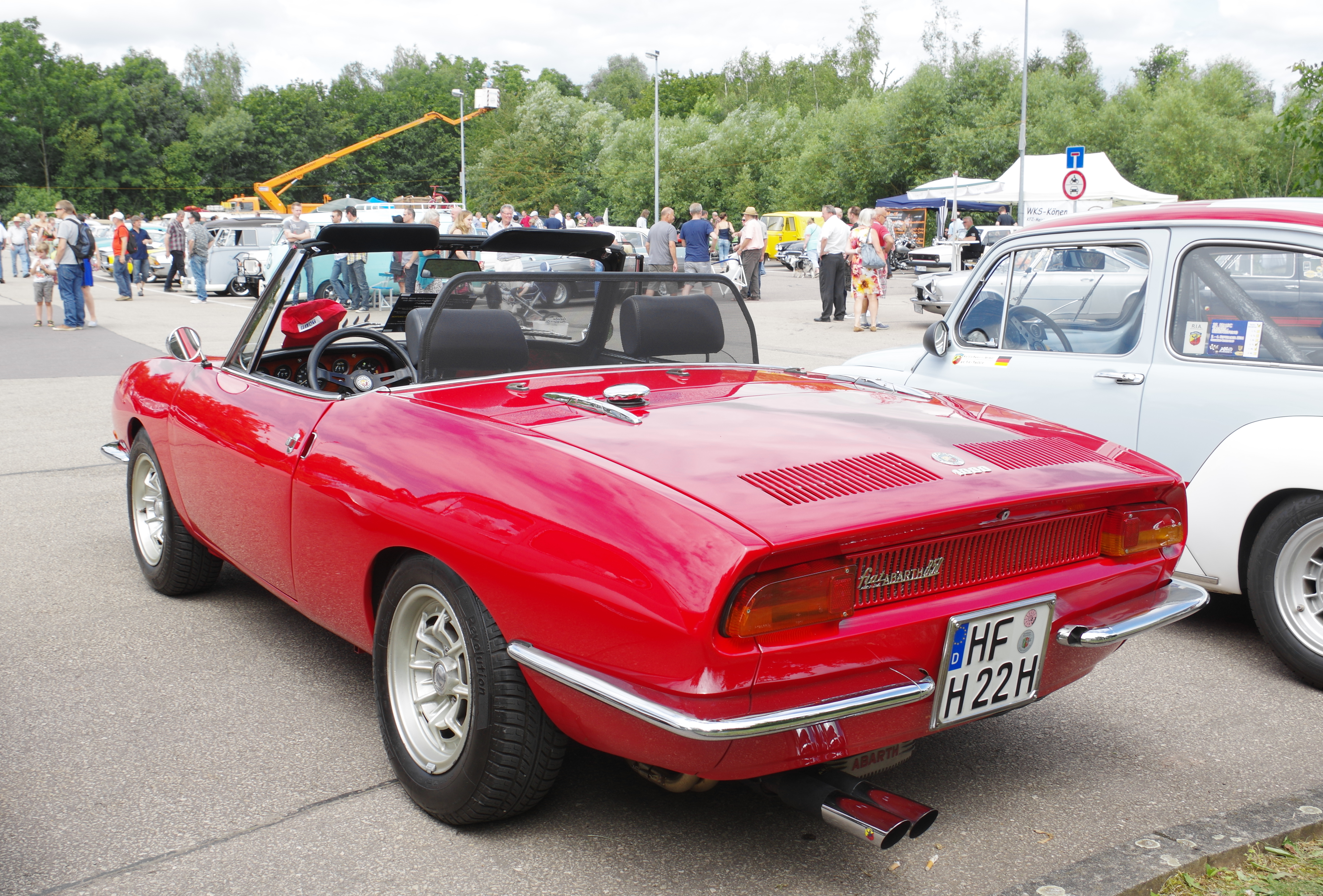 file fiat 850 spider abarth 1000 bw 2016 07 17 14 04 wikimedia commons. Black Bedroom Furniture Sets. Home Design Ideas
