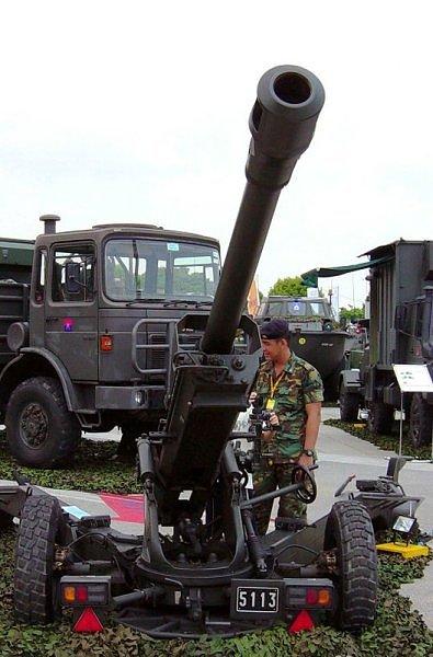 مدفع LG1 عيار 105 ملم من شركة Nexter  Giat_LG-1