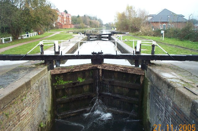 Grand Union Canal, Common Moor Lock, Croxley Green - geograph.org.uk - 86531