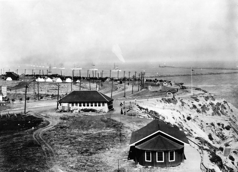 File:GreatWhiteFleet-arrives-LA-Harbor-1908.jpg