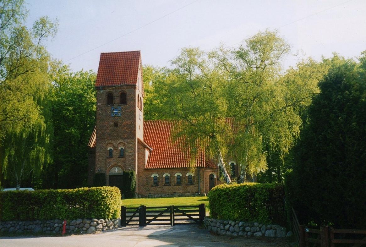 Høsterkøb Kirke 2007.jpg