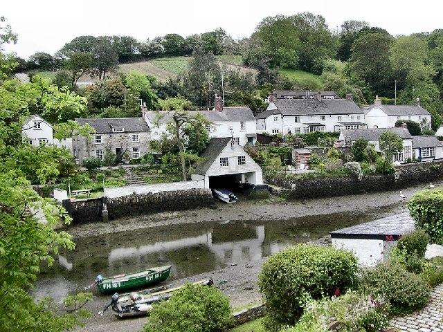 File:Helford Village - geograph.org.uk - 9853.jpg