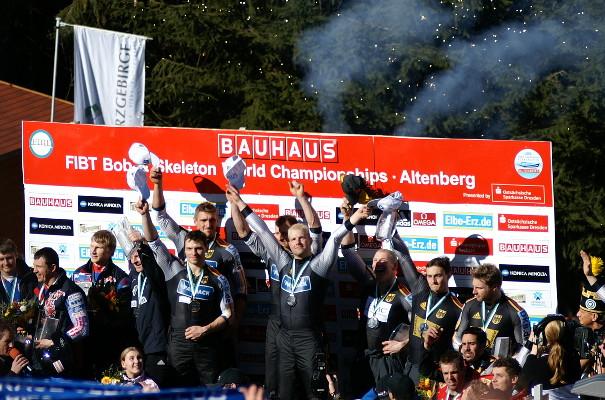 File:Hirschsprung RSBB Bob WM 2008 - Siegerehrung.jpg