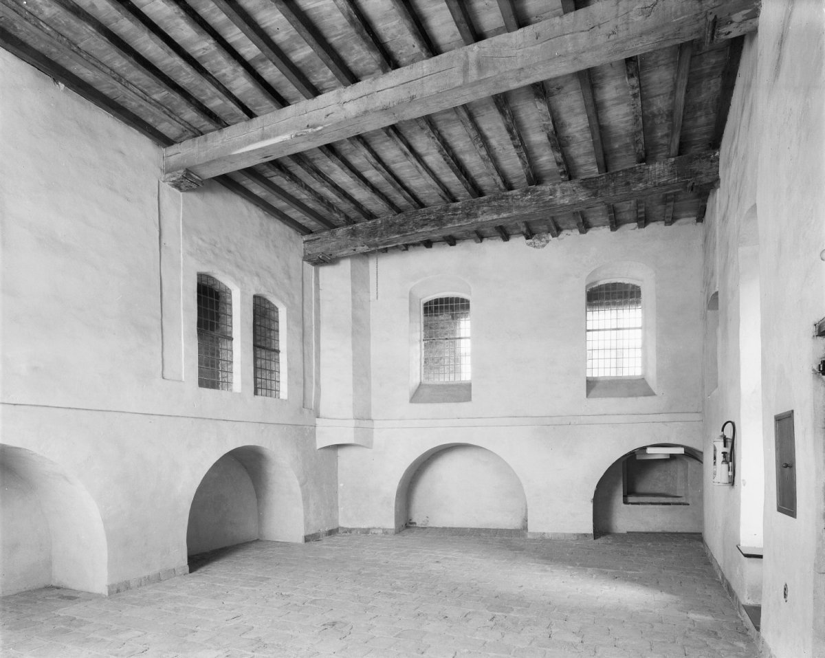 File:Interieur, grote zaal van de noordvleugel naar het noord-oosten ...