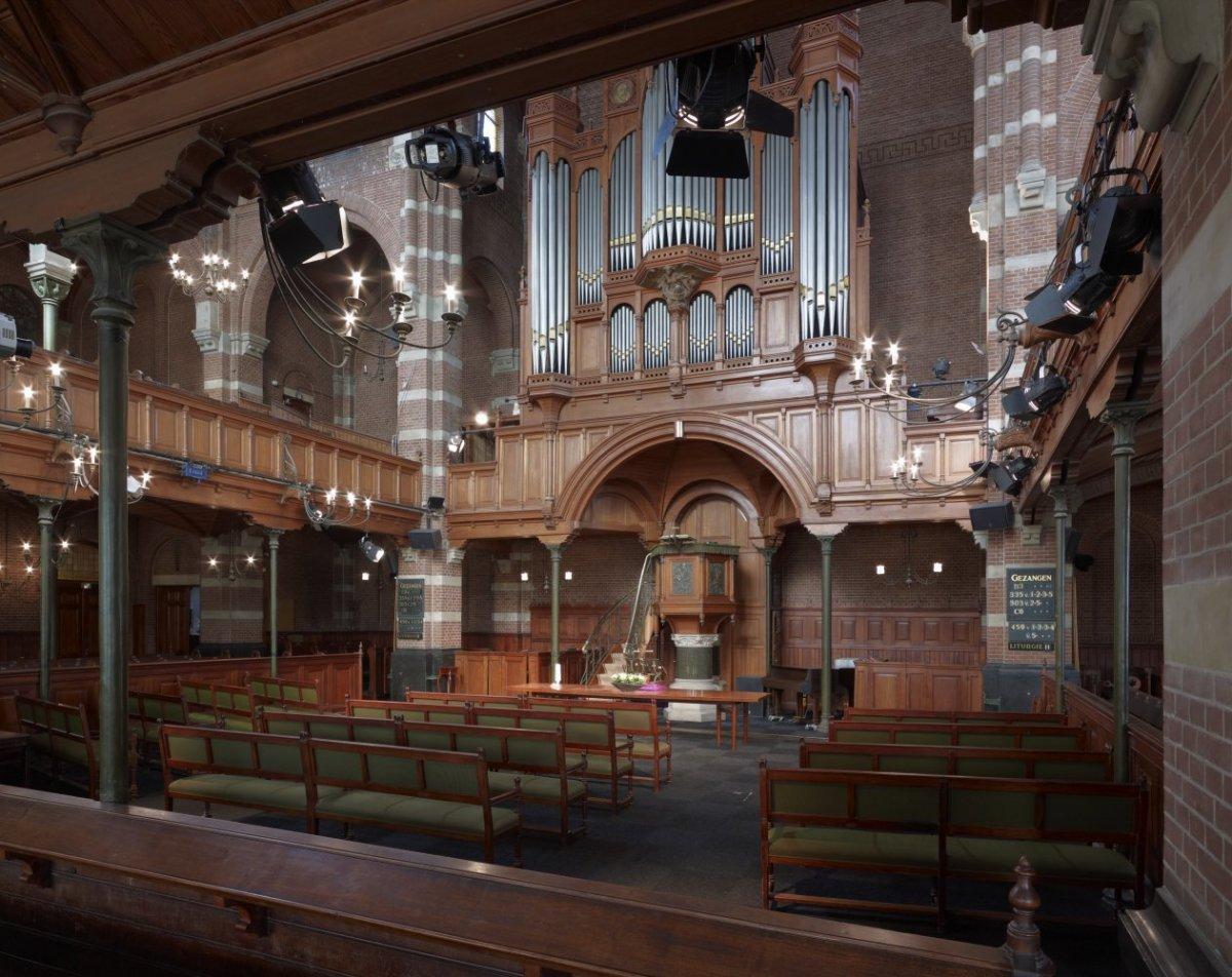 File interieur overzicht kerkbanken preekstoel met for Interieur 605