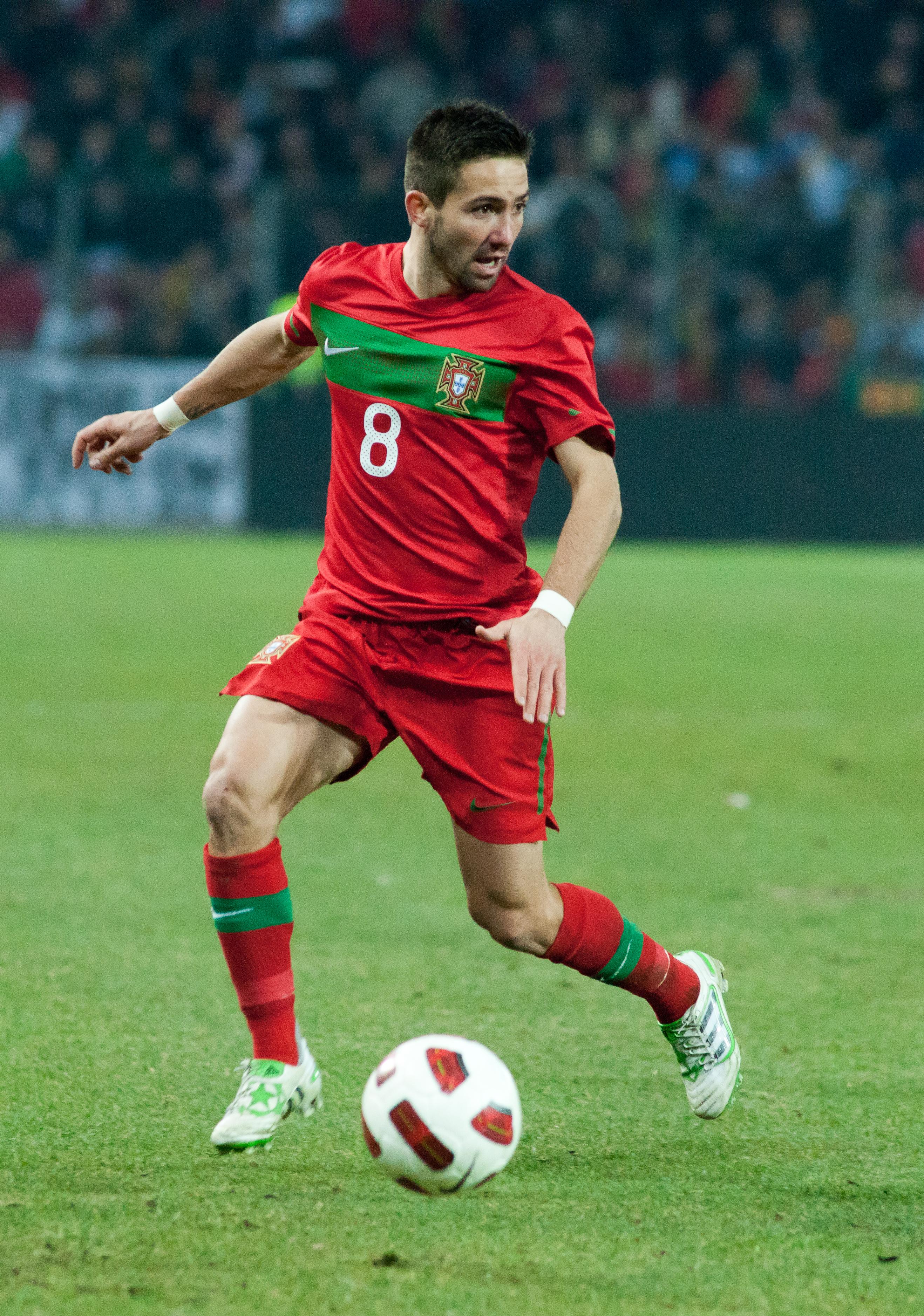 File Joao Moutinho – Portugal vs Argentina 9th February 2011 1