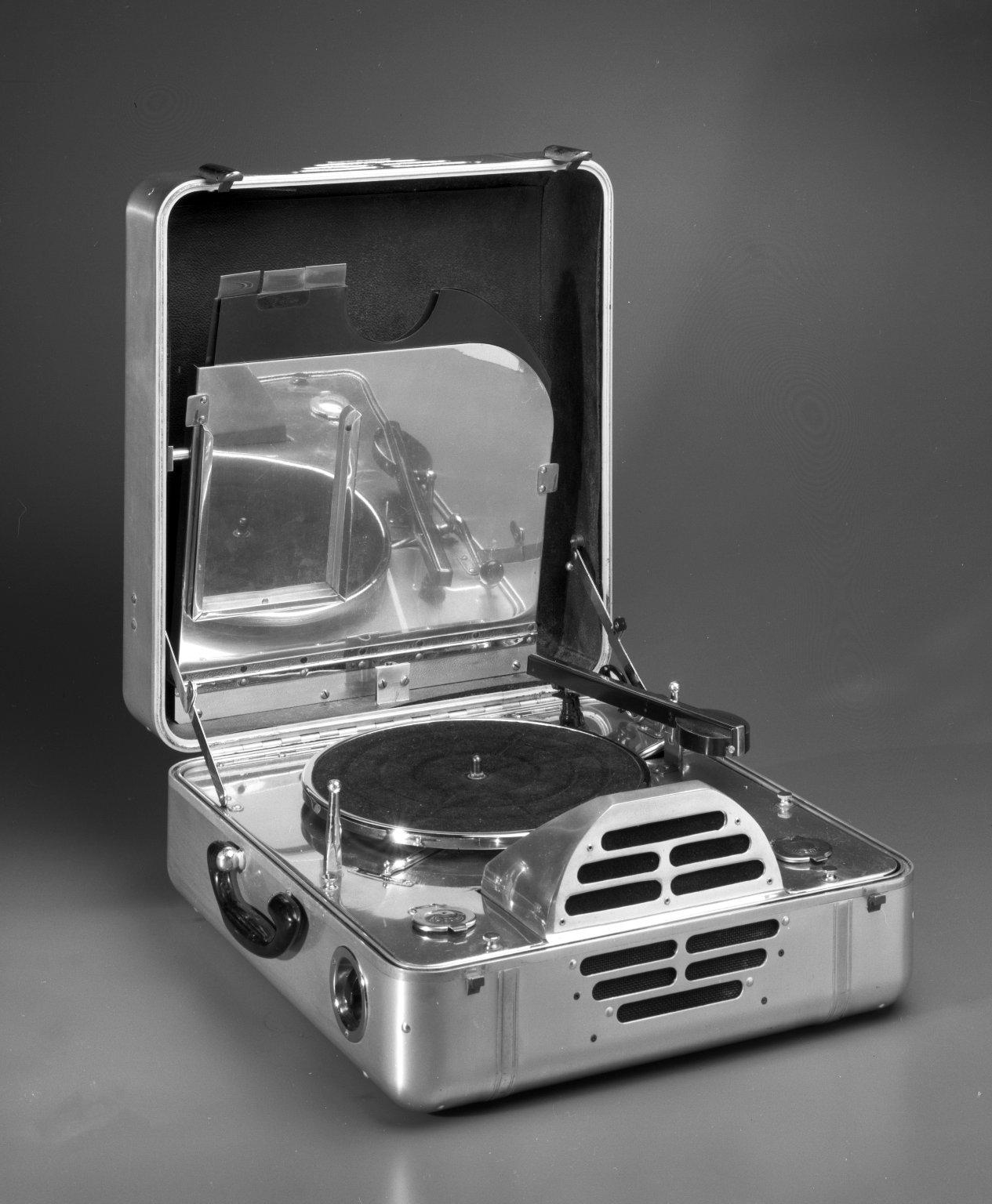 File John Vassos Rca Victor Special Model K Portable