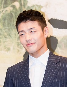 "Kang Ha-neul at ""Moon Lovers - Scarlet Heart Ryeo"" press conference, 24 August 2016 01.jpg"