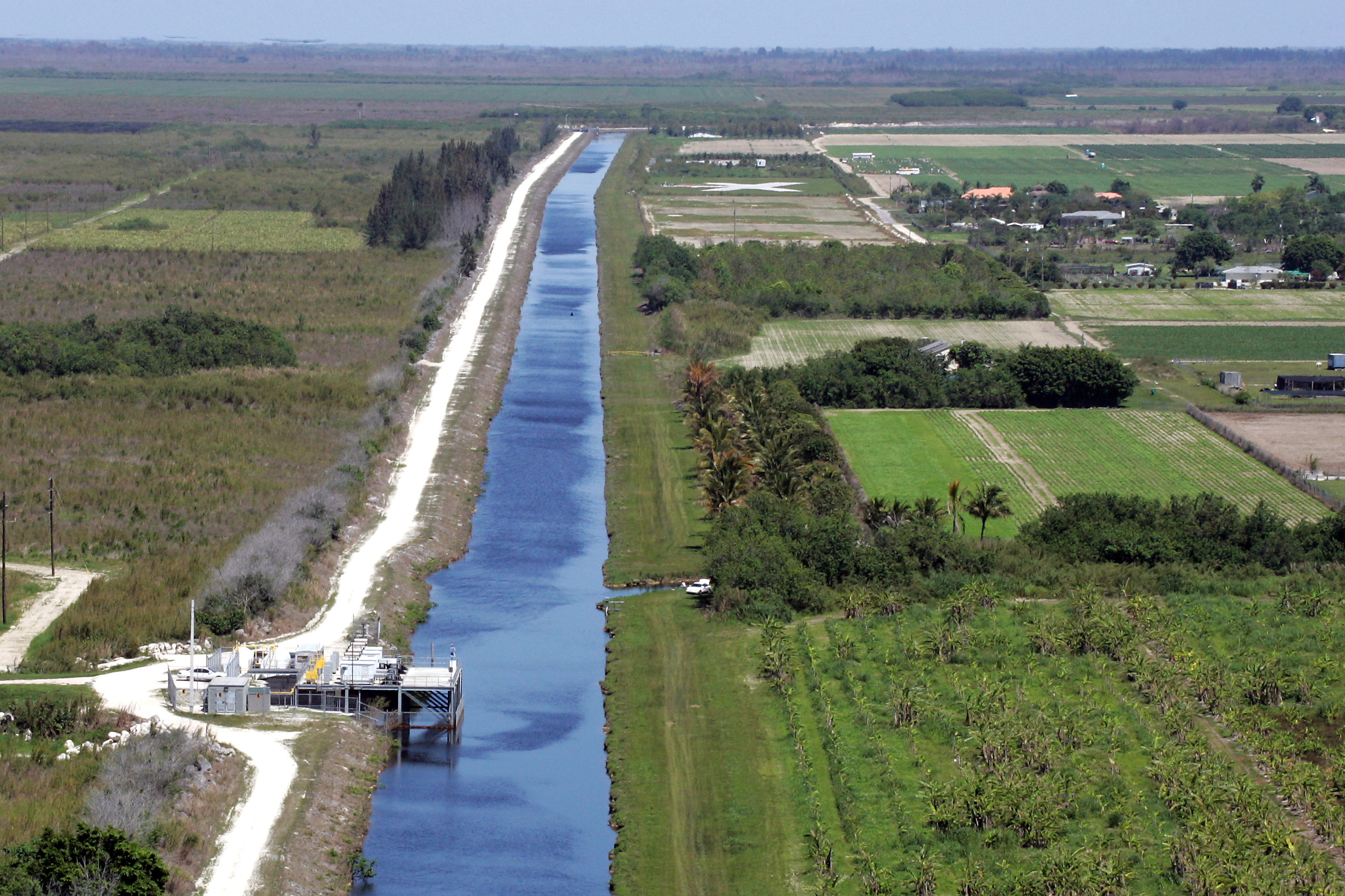 how to build a levee