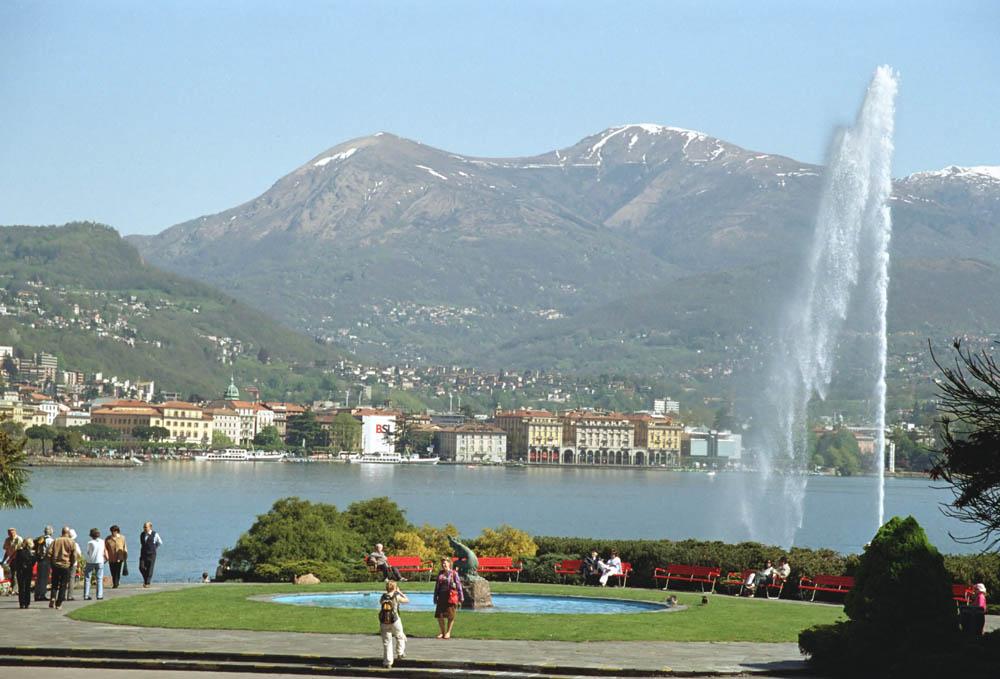 Švajcarska - Page 2 Lugano_von_Paradiso
