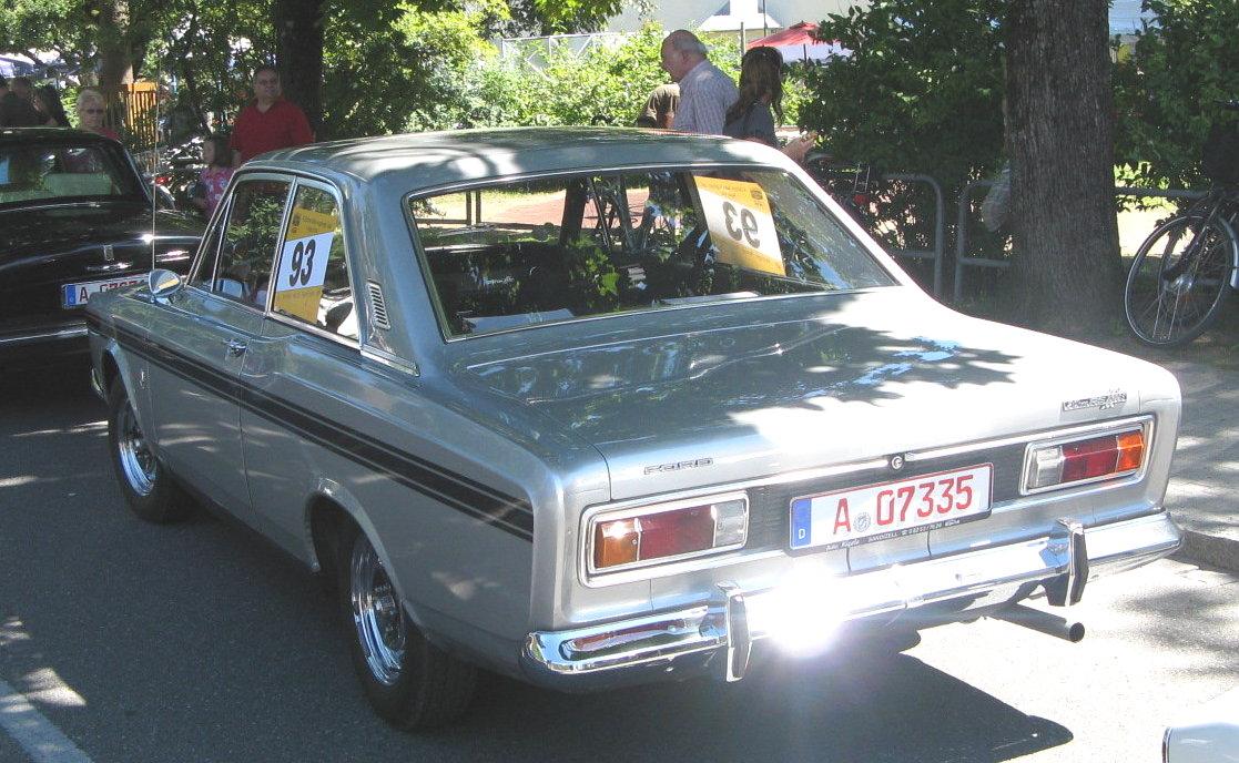 MHV Ford 20M RS 02.jpg