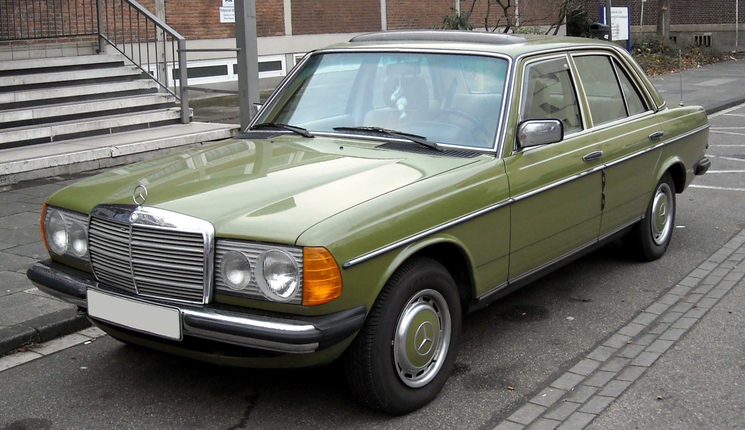 Mercedes benz w123 wikiwand for Mercedes benz w