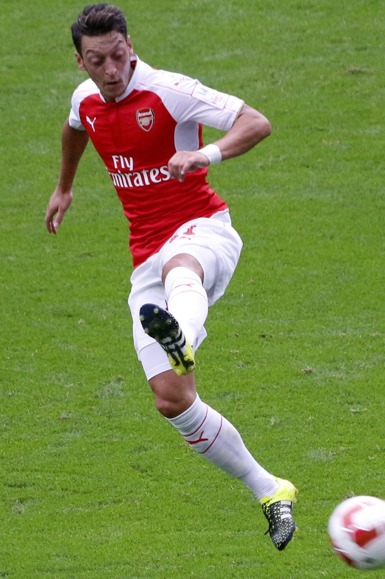 Mesut Özil potwierdził swoją wielką  klasę. Grał na wysokich obrotach  przez cały rok, co w poprzednich  latach nie było regułą.  źródło: wikipedia.org,  autor: Anish Morarji