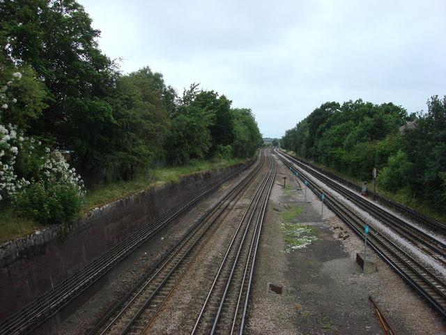 Metropolitan railway line just west of Northwood Hills tube station - geograph.org.uk - 976083
