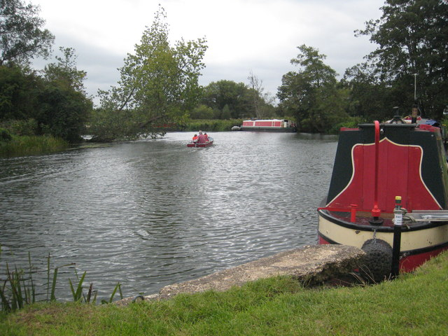 Moorings on the Thames by The Lynch - geograph.org.uk - 952616