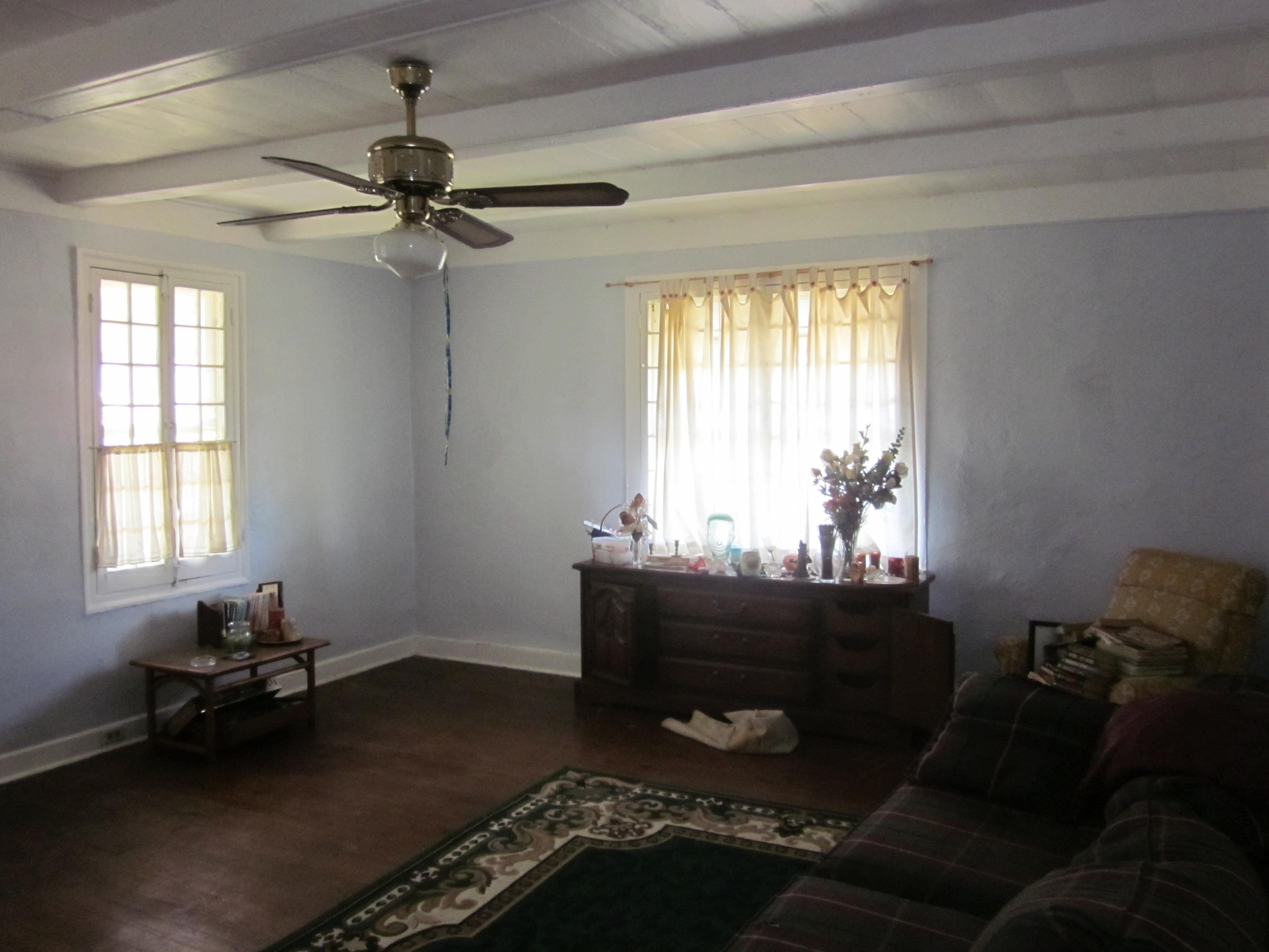 File NMP 1780s House Interior Bedroom 2 Corner Windows JPG