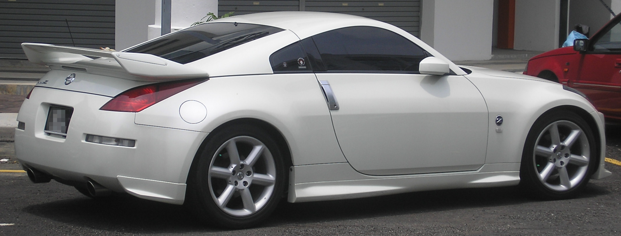File:Nissan 350Z (first generation) (rear), Serdang.jpg ...