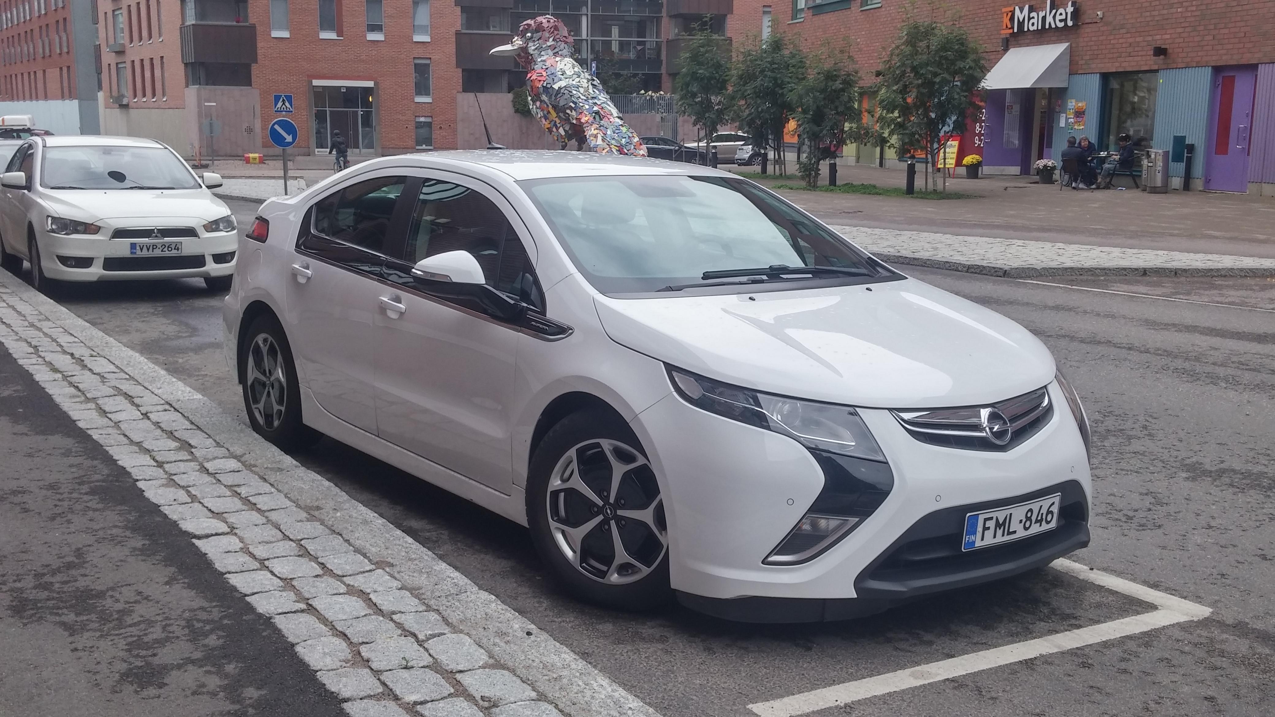 Opel Ampera - 70 km uz elektrības un vienā rāvienā līdz Liepājai 2