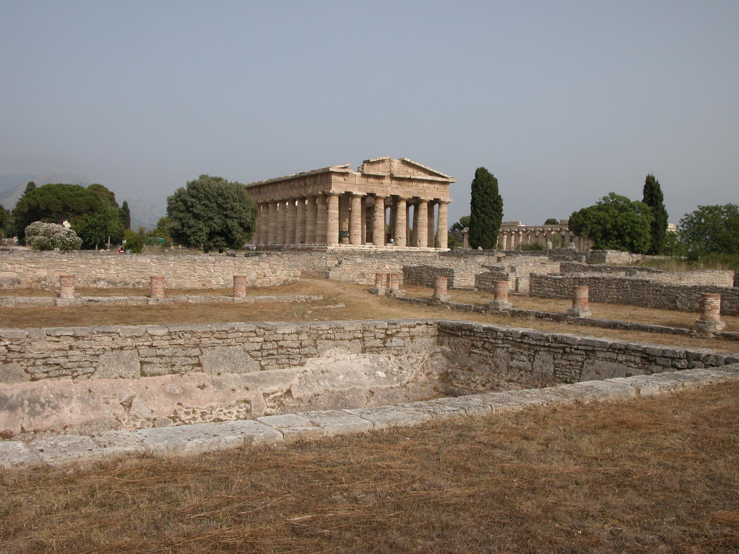 File paestum resti di villa con piscina nei pressi del - Hotel paestum con piscina ...