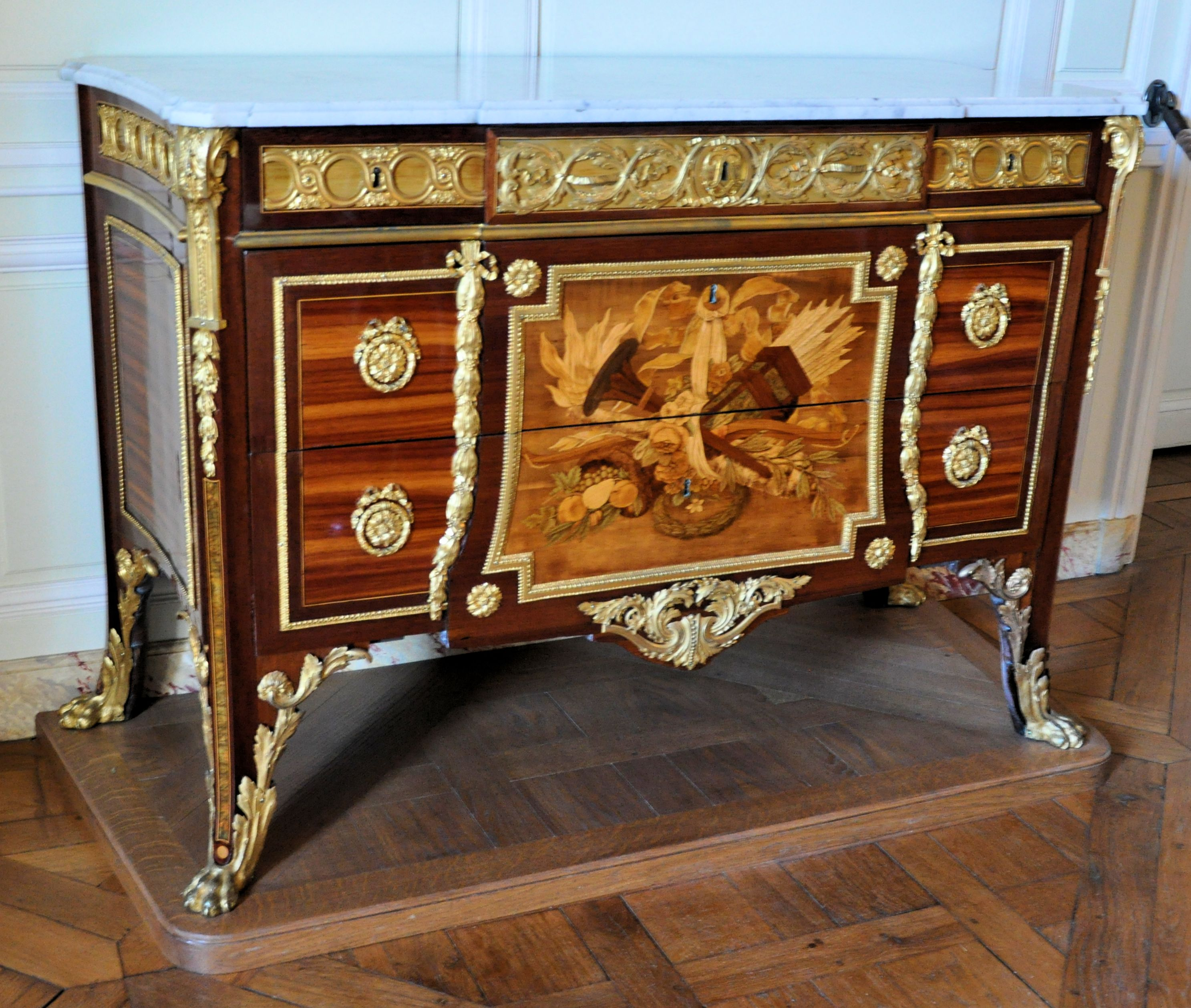 File petit trianon chambre de mme elisabeth commode wikimedia commons - Commode contemporaine chambre ...
