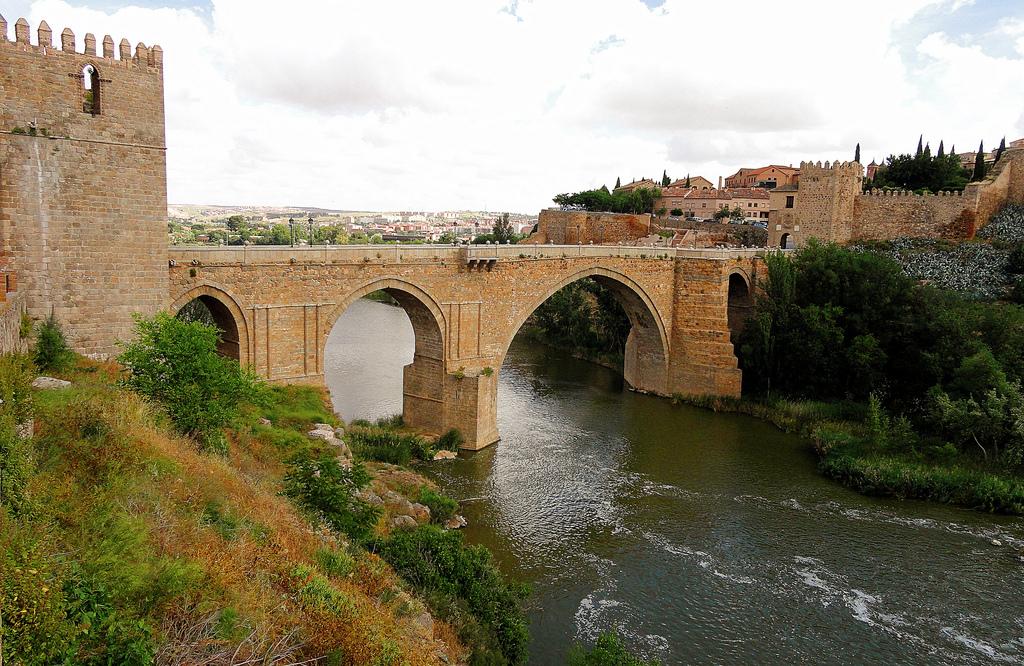 Puente de San Martín (Toledo) - Wikipedia, la enciclopedia libre