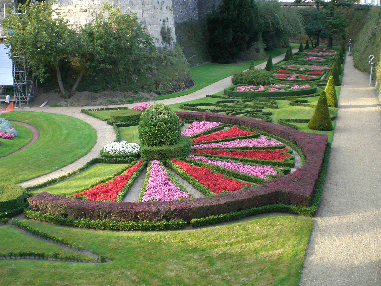 File range jardin chateau angers - Jardin interieur du lac angers ...