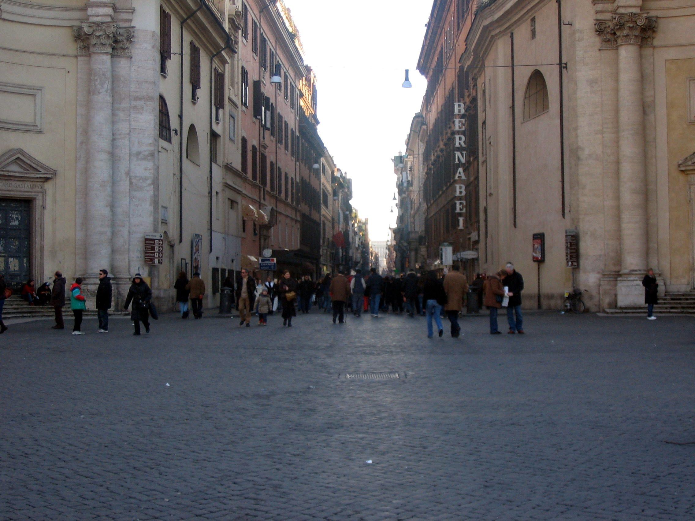 File roma via del for Bershka roma via del corso