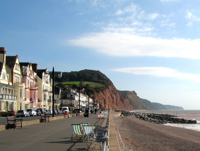 File:Sidmouth Esplanade - geograph.org.uk - 1494844.jpg