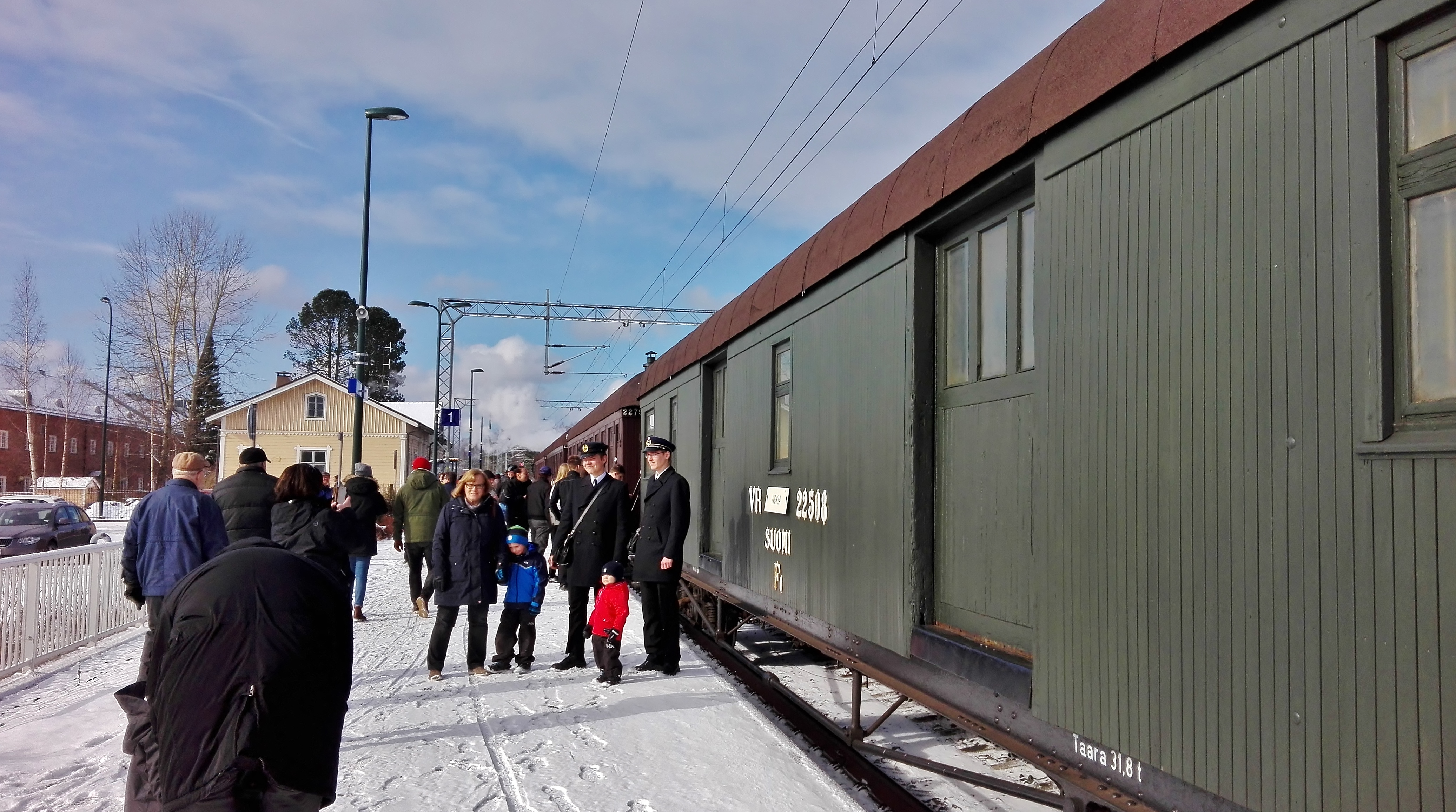 Siuro railway station 16th April 2017 Easter steam train Nokia-Tampere 1.jpg