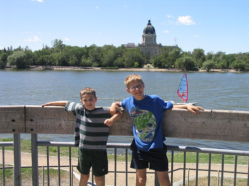 File:South Saskatchewan River in Saskatoon -b.jpg