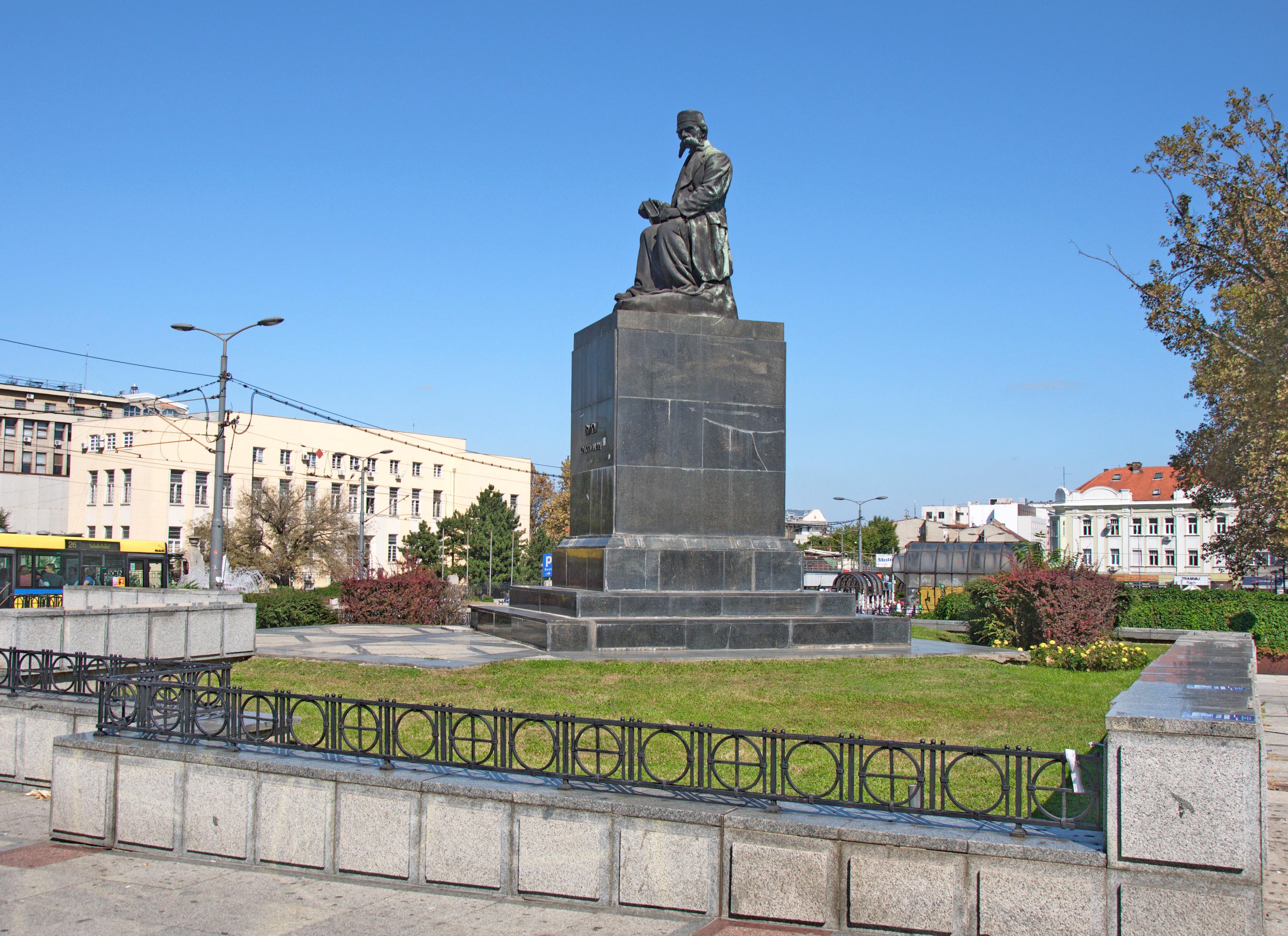 File Spomenik Vuku Karadzicu U Beogradu 09 Jpg Wikimedia Commons