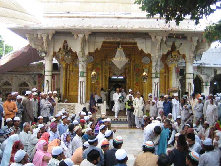 Devotees at Ajmer Sharif Dargah