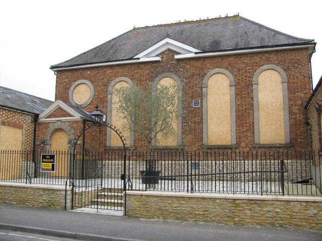 The Old Chapel, Bicester - geograph.org.uk - 1415972