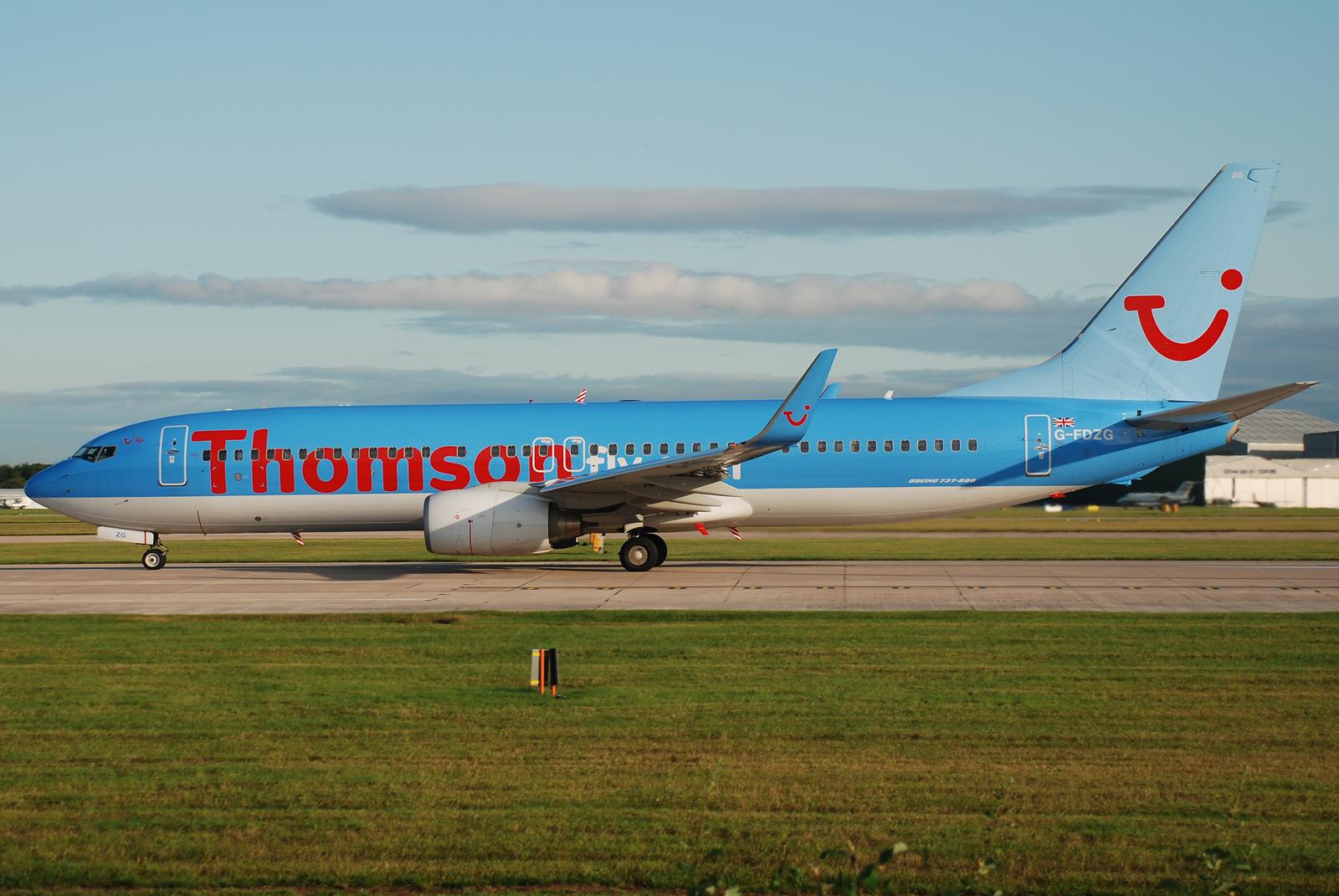 File:Thomsonfly Boeing 737-8K5 G-FDZG at EGCC.jpg - Wikimedia Commons