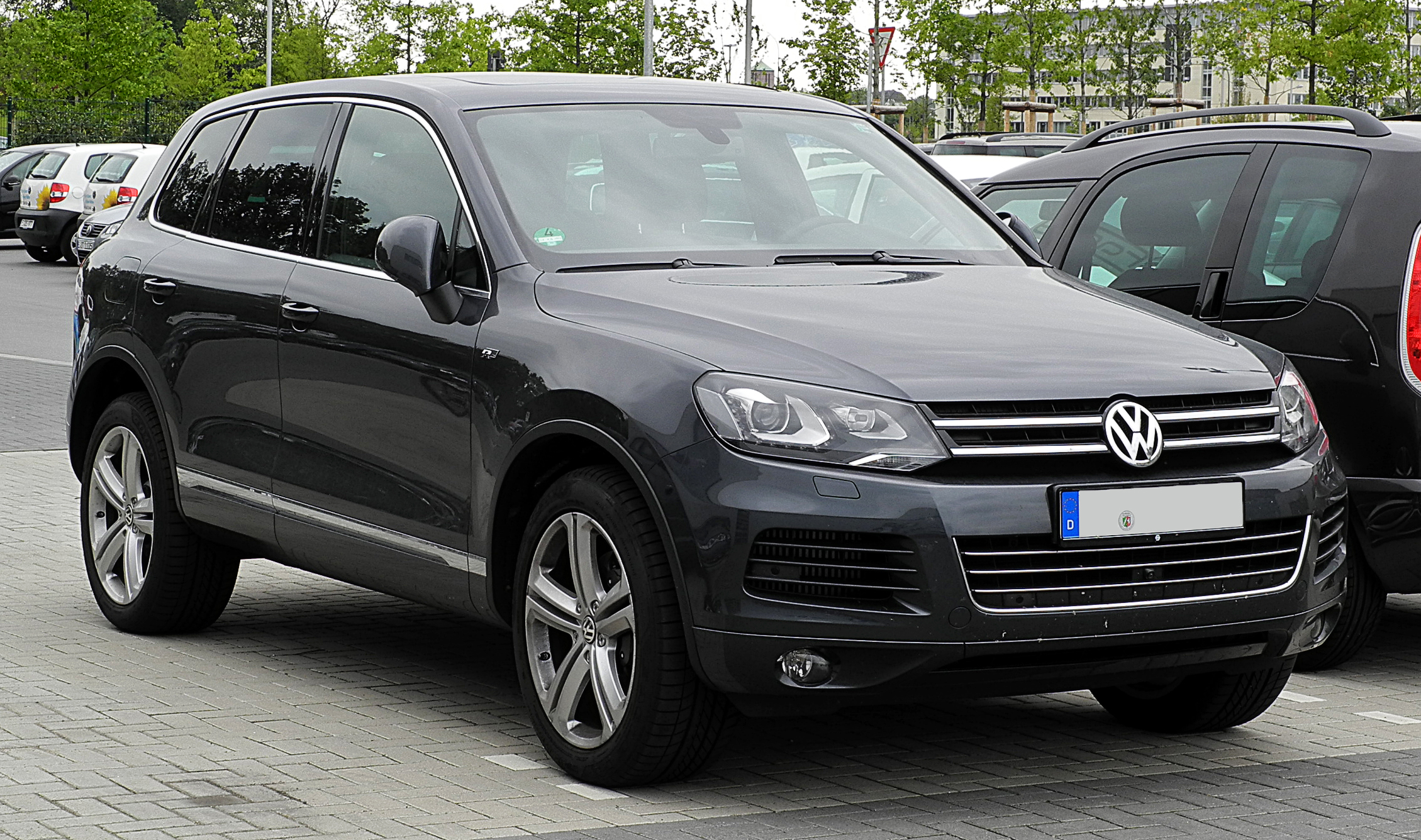 file vw touareg r line ii frontansicht 3 juli 2011 wikimedia commons. Black Bedroom Furniture Sets. Home Design Ideas