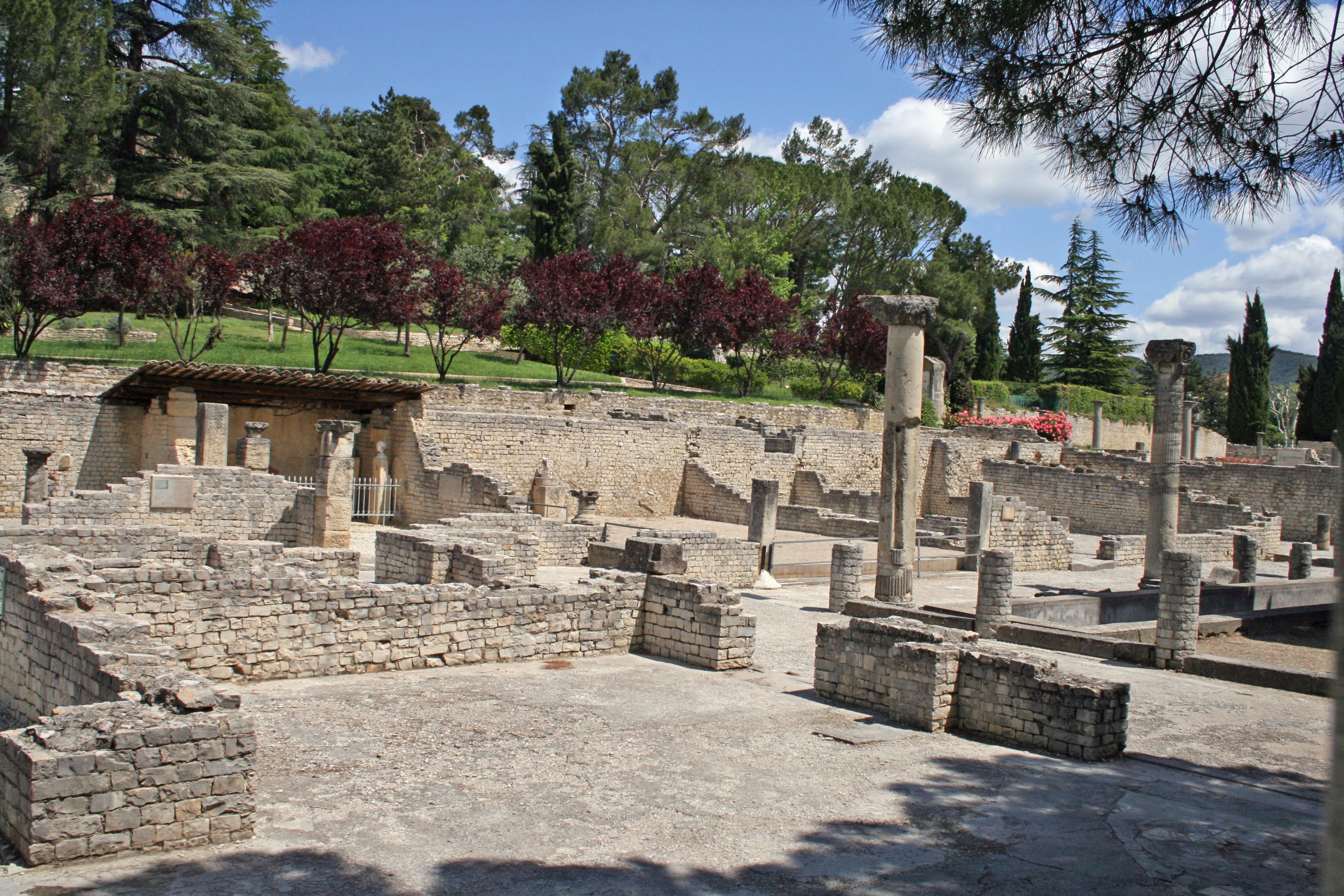 File vaison la romaine wikimedia commons for Caumont sur durance jardin romain