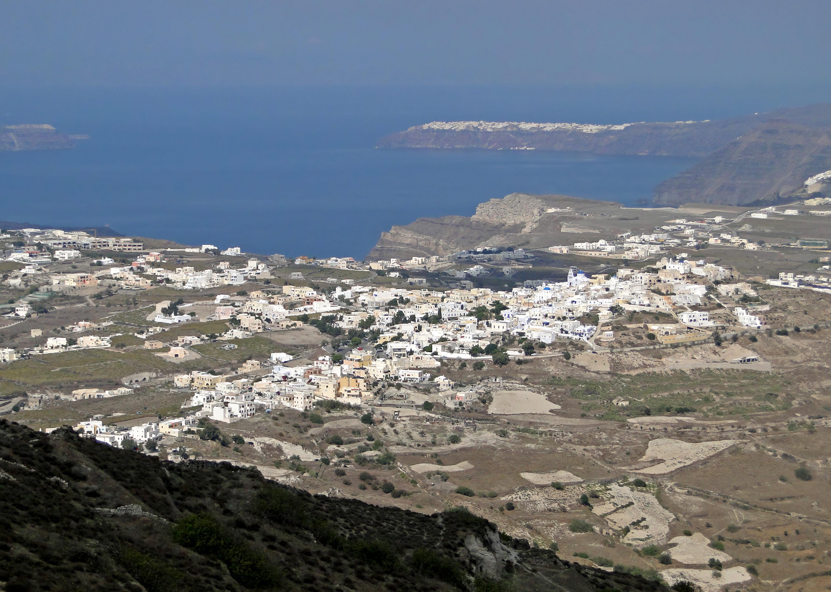 File:Village of Pyrgos.jpg - Wikimedia Commons