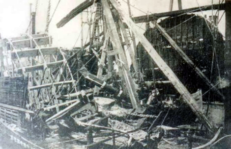 Le PS General Slocum Wreckage_of_the_General_Slocum_%281904%29