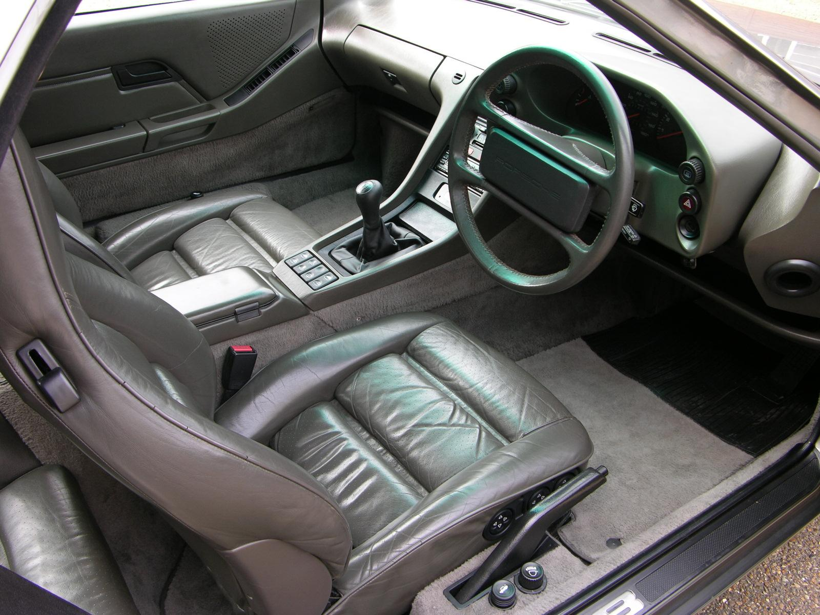 File 1987 Porsche 928 S4 Interior Jpg Wikimedia Commons
