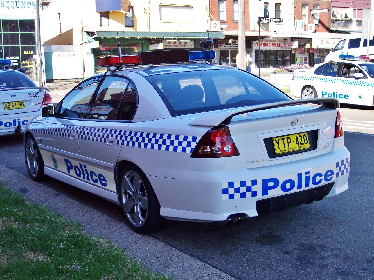 File2003 holden vy commodore ss nsw police 5498475474g file2003 holden vy commodore ss nsw police 5498475474g vanachro Images