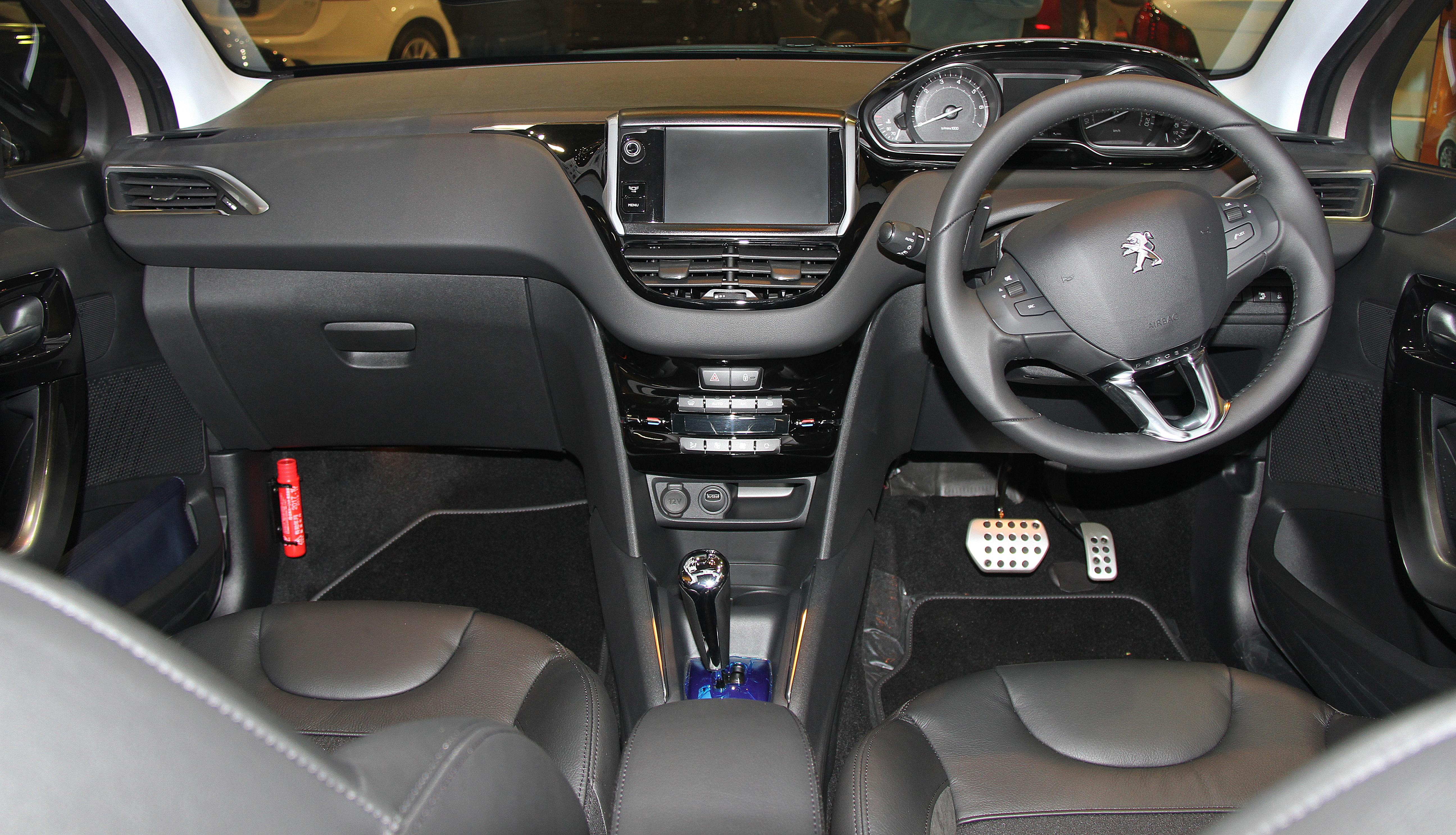 100 peugeot car interior peugeot 3008 interior for Peugeot 208 interior 2017