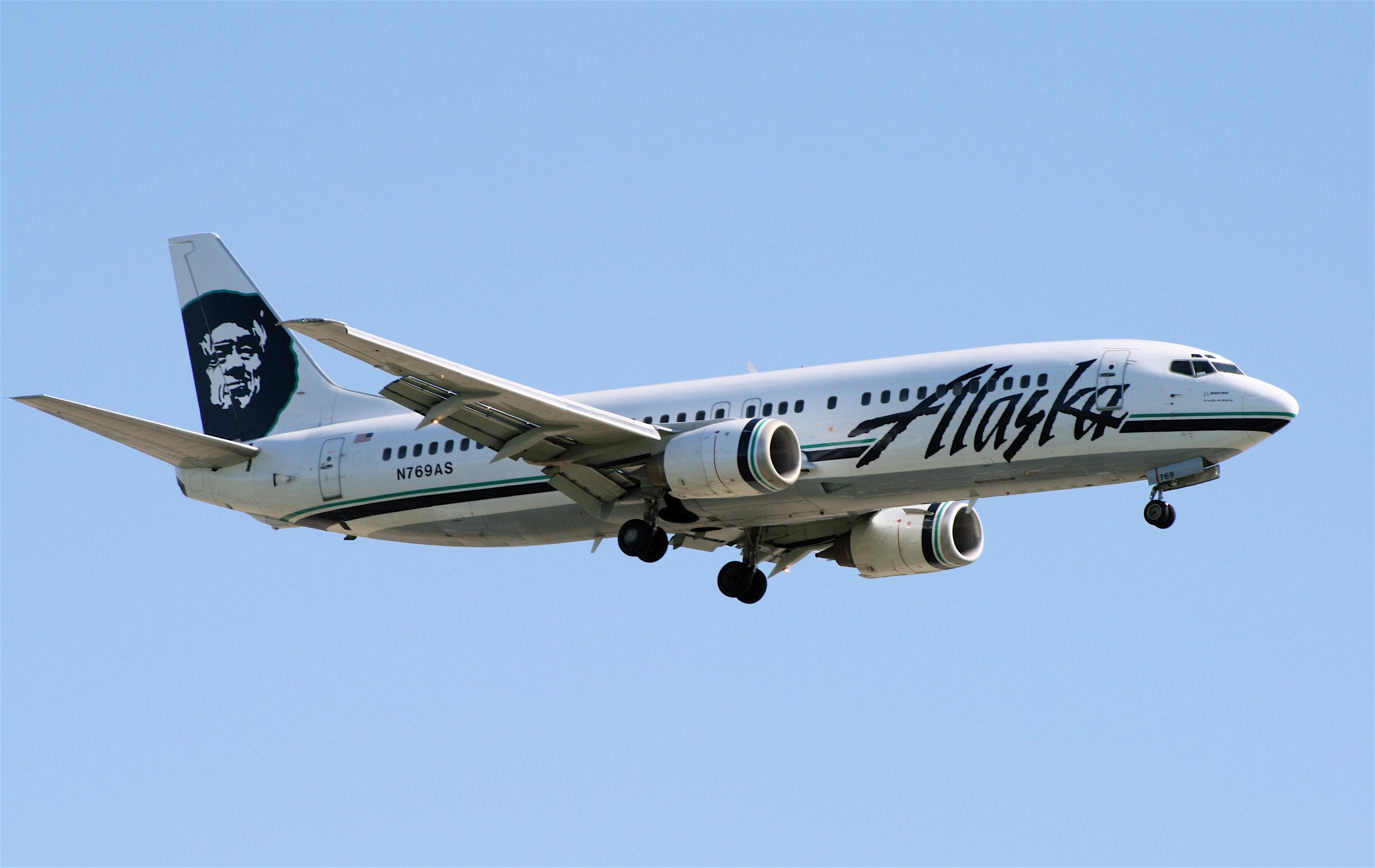 Alaska-737-4QB-YVR.jpg