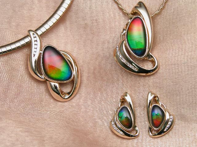http://upload.wikimedia.org/wikipedia/commons/7/78/Ammolite_jewellery.jpg