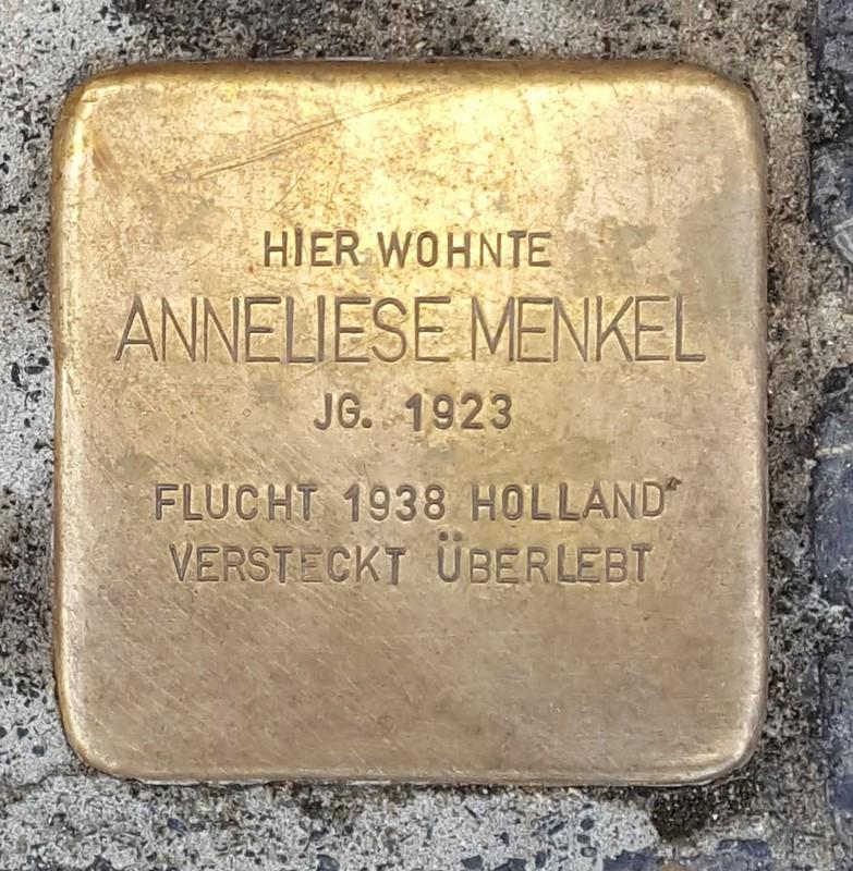 der Stolperstein für Anneliese Menkel