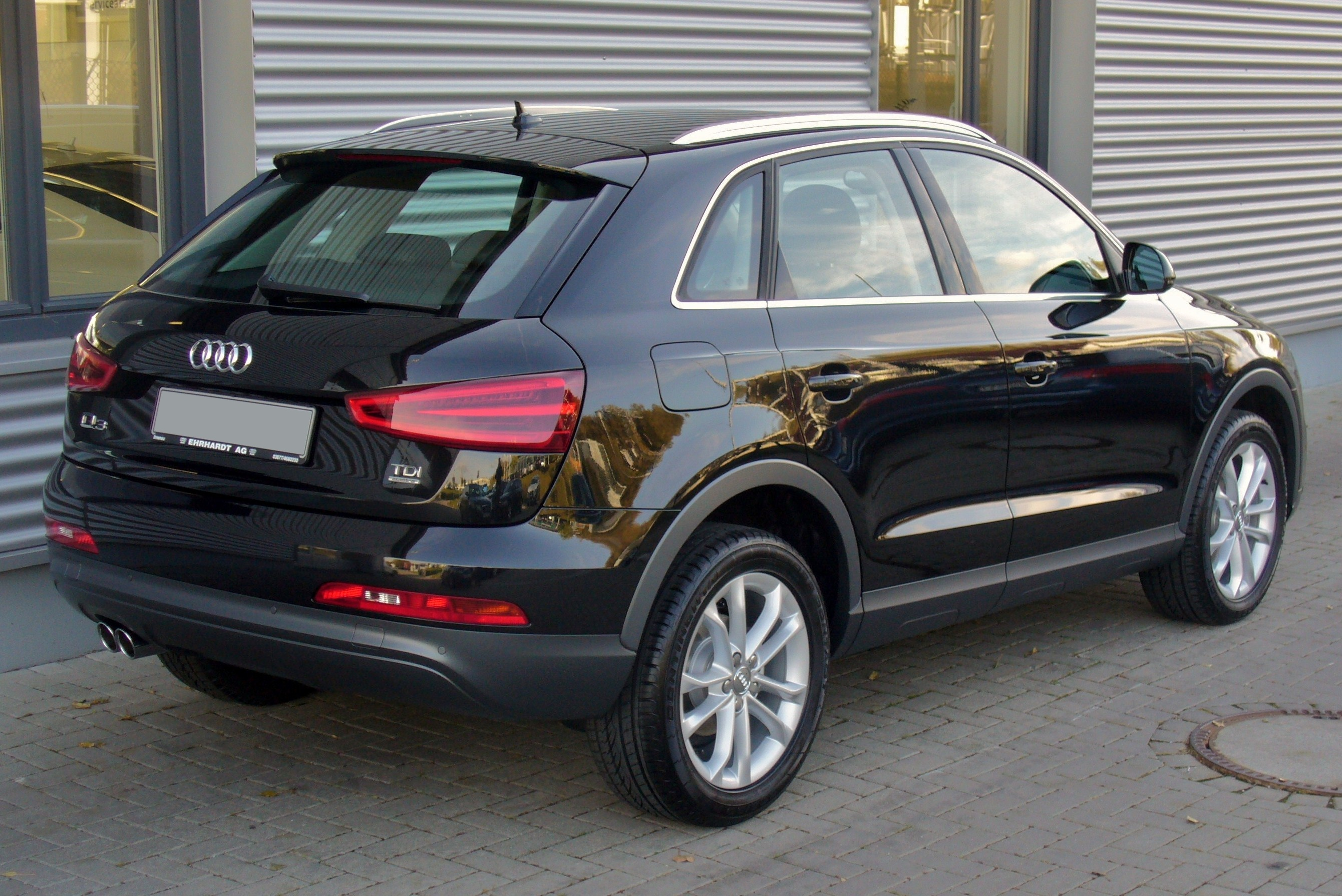 fichier audi q3 2 0 tdi quattro s tronic phantomschwarz heck jpg wikip dia. Black Bedroom Furniture Sets. Home Design Ideas