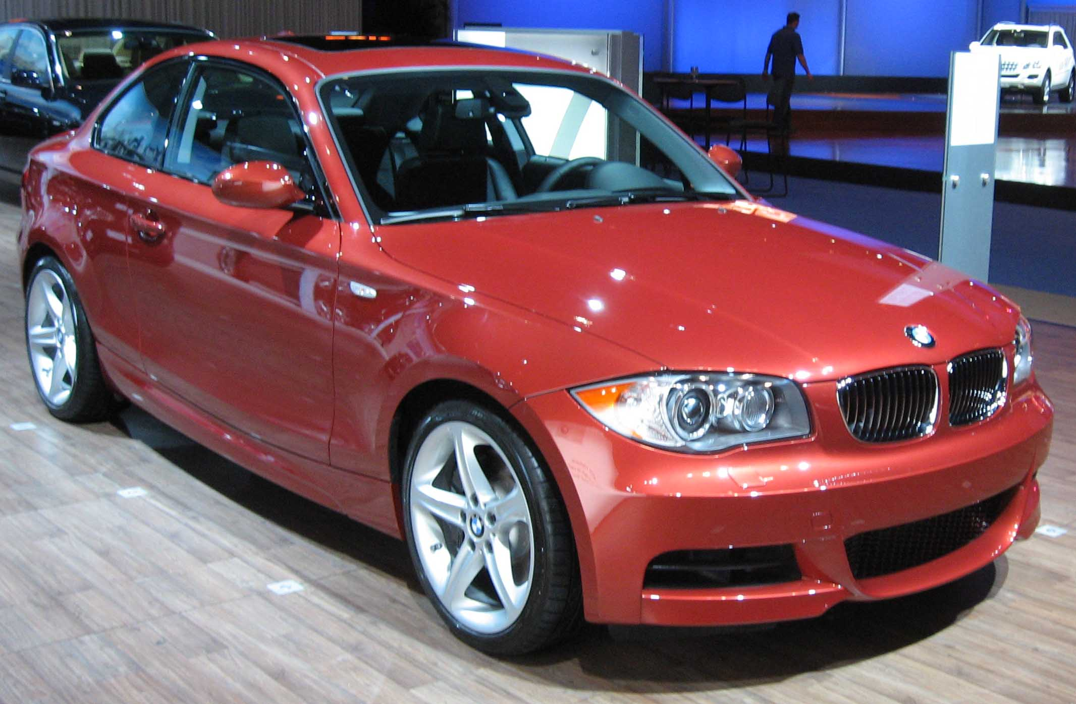 File:BMW 1-Series coupe NY.jpg - Wikimedia Commons