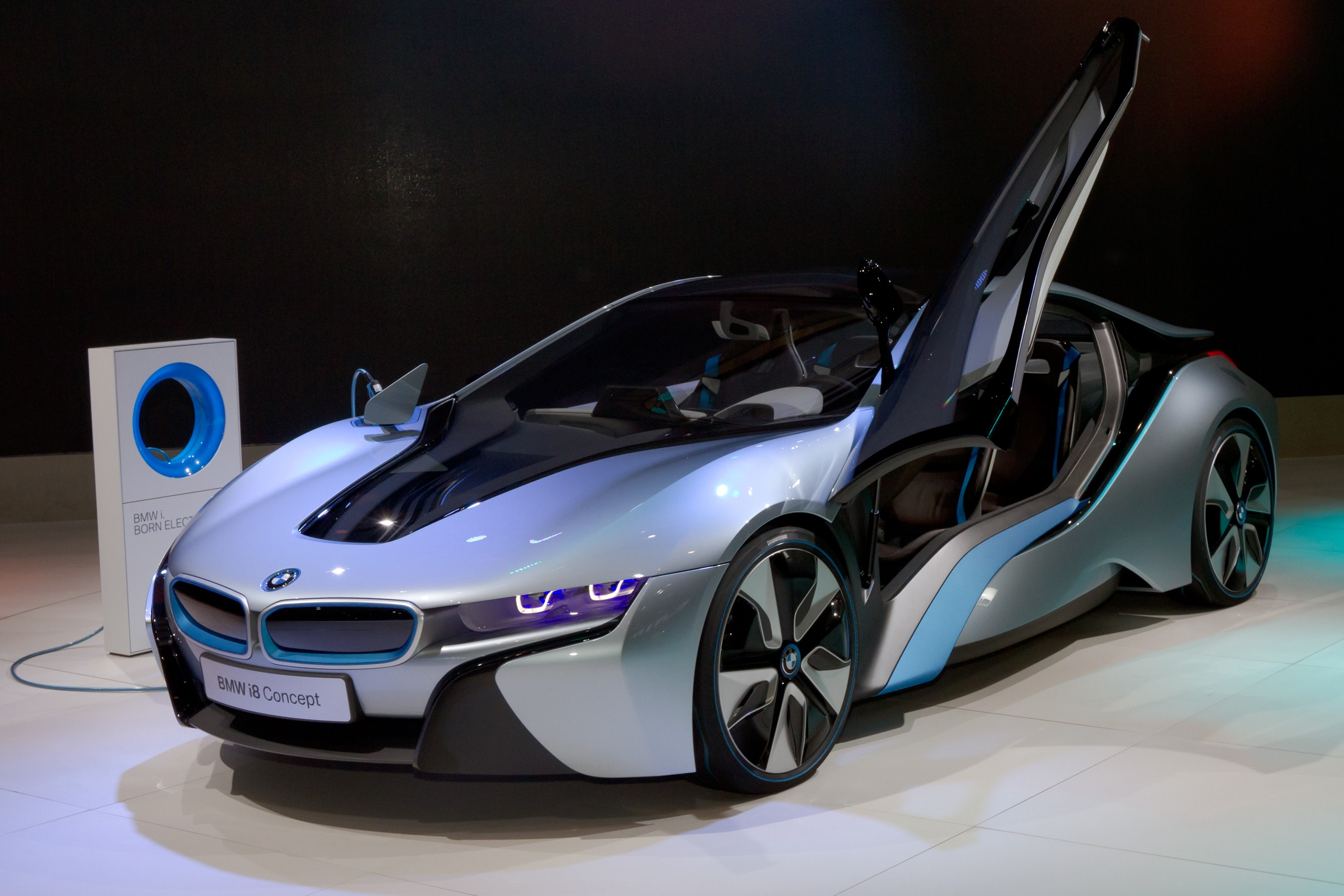 File Bmw I8 Front 2011 Tokyo Motor Show Jpg Wikimedia Commons